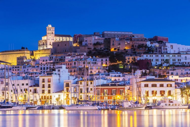 Spain jumps into top five countries for expats according to HSBC's
